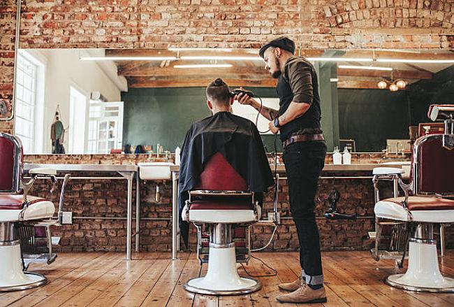 Curso de peluquería para hombre –Aprende sobre este oficio muy actual
