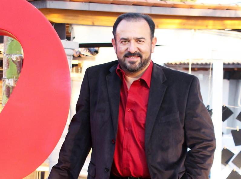Hugo Villanueva Cantón en la cima del éxito con Toka