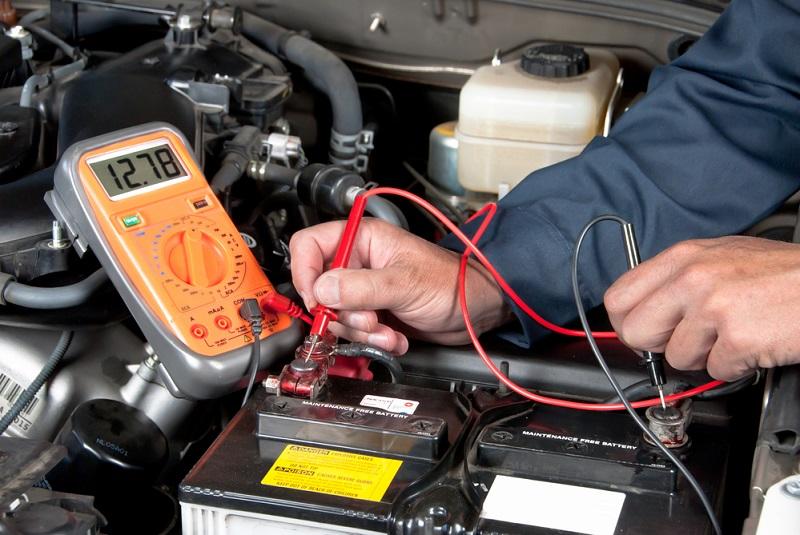 Prueba la batería de tu coche de forma segura y eficaz